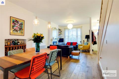 3 bedroom terraced house for sale - Hatley Road, London, N4