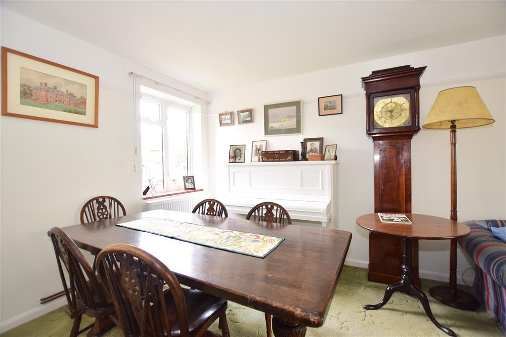The Glebe, Leigh, Reigate, Surrey 3 bed terraced house for sale - £425,000