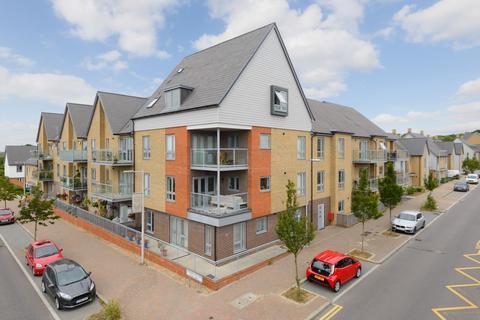 2 bedroom flat for sale - Repton Avenue, Repton Park, Ashford, TN23