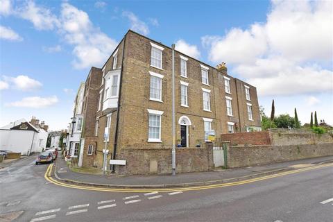 1 bedroom flat for sale - Dover Road, Deal, Kent