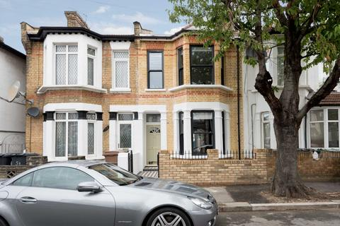 3 bedroom house for sale - St Georges Road, Leyton