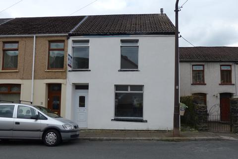 3 bedroom end of terrace house to rent - River Street, CF41