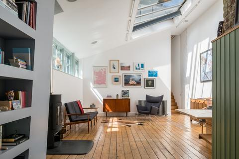 2 bedroom flat for sale - Royal College Street, London, NW1
