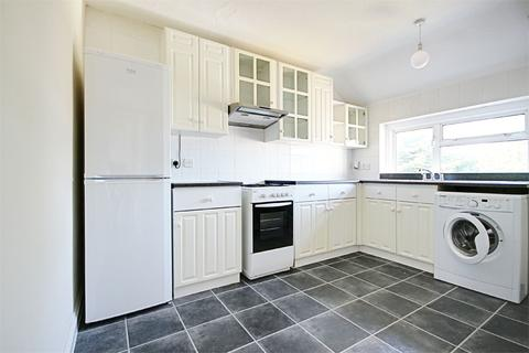 2 bedroom flat to rent - Pembroke Avenue, Enfield, Greater London, EN1