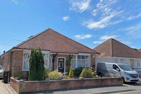 4 bedroom detached bungalow for sale - Heather View Road, Poole, BH12 4AQ