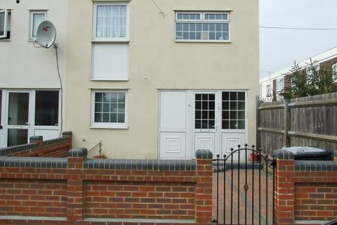 4 bedroom end of terrace house to rent - Worthing Close, Stratford/West Ham E15