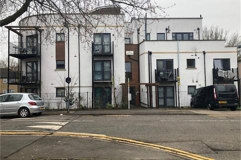 1 bedroom flat for sale - Chandos Parade, Buckingham Road, Edgware, Middlesex
