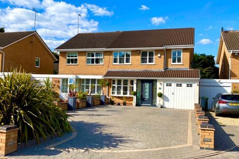 4 bedroom semi-detached house to rent - Langcomb Road, Shirley