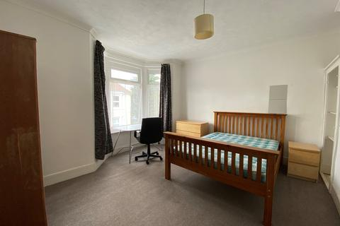 3 bedroom terraced house to rent - Livingstone Road