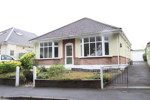 3 bedroom detached bungalow to rent - Heather View Road, Poole
