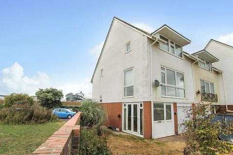 3 bedroom end of terrace house for sale - River Close, Shoreham-by-Sea BN43 5YF