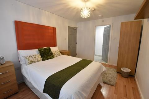 1 bedroom in a house share to rent - Devon Road, Luton