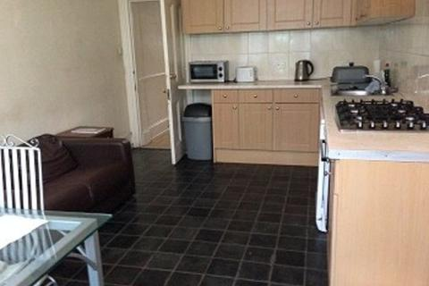 6 bedroom detached house to rent - Green Lanes, Palmers Green