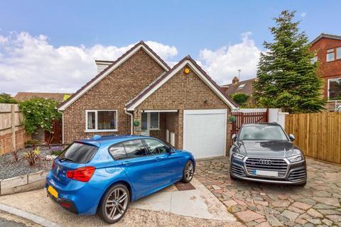 3 bedroom detached house for sale - Winston Road, Lancing