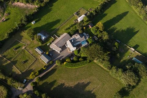 6 bedroom property with land for sale - Greenbottom, Chacewater, Truro
