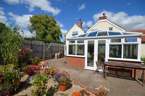 3 bedroom cottage for sale - The Street, Motcombe,