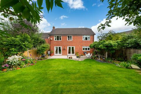 5 bedroom detached house for sale - Lavery Close, Ossett, Wakefield