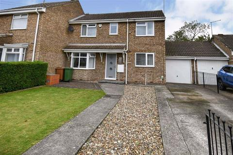 3 bedroom semi-detached house for sale - Brevere Road, Hedon, Hull, HU12