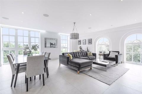 3 bedroom flat for sale - Hadley Road, Enfield, Middlesex