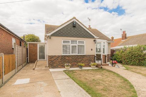2 bedroom detached bungalow for sale - Princess Close, WHITSTABLE