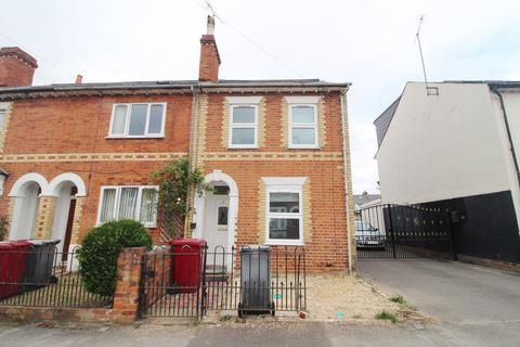 3 bedroom terraced house to rent - Blenheim Road, Reading, RG1