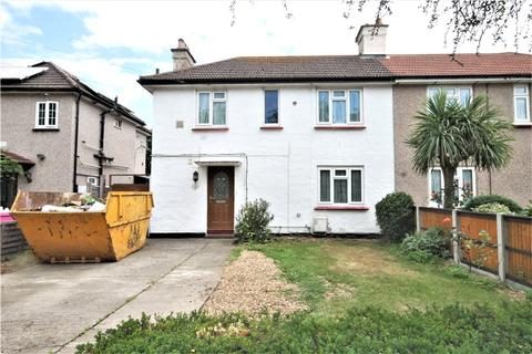 4 bedroom semi-detached house for sale - Southern Cottages, Horton Road, Staines-upon-Thames, Surrey, TW19