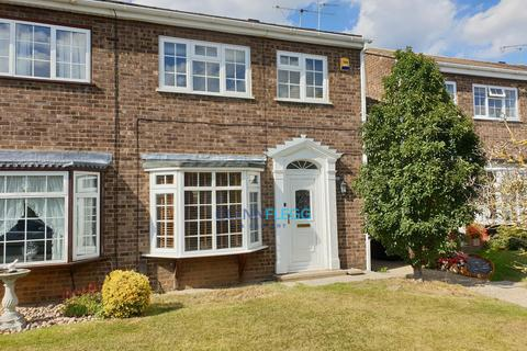 3 bedroom semi-detached house for sale - Taplow, Maidenhead