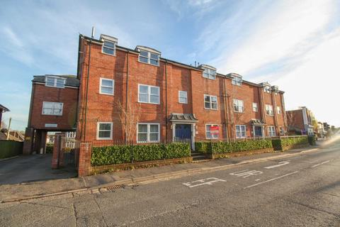 2 bedroom flat to rent - Salisbury Road, Blandford Forum