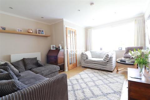 3 bedroom semi-detached house to rent - Rockingham Close, Allestree DE22