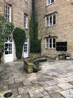 Studio to rent - Gloucester House, Dyer Street, Cirencester GL7