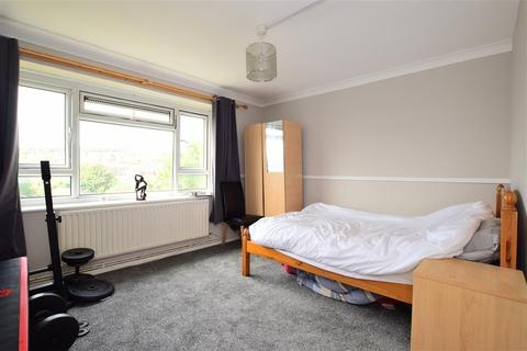 2 bedroom flat for sale - Findon Road, Brighton, East Sussex
