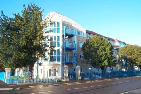 2 bedroom apartment to rent - 23 Hulse Road , Southampton  SO15