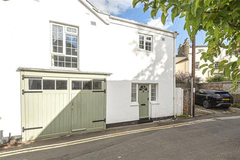 4 bedroom semi-detached house for sale - Malden Road, Cheltenham, Gloucestershire, GL52