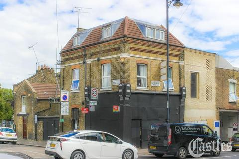 2 bedroom flat - Kenworthy Road, Hackney, E9