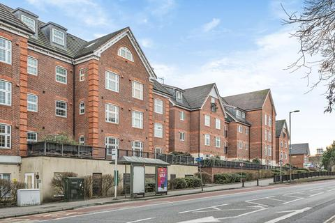 2 bedroom apartment to rent - Dorchester Court, Camberley, GU15