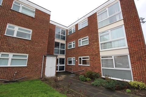 2 bedroom ground floor flat to rent - Tyrells Close, Upminster, Essex, RM14