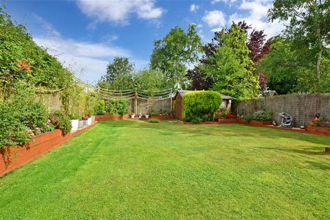 4 bedroom detached bungalow - Mill Lane, Horley, Surrey