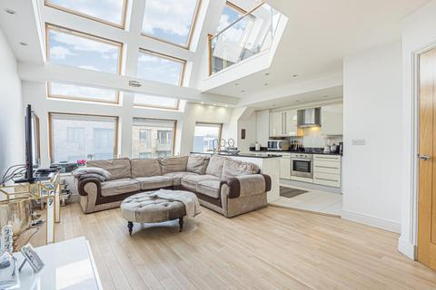 2 bedroom flat for sale - Melfield Gardens, Beckenham Hill