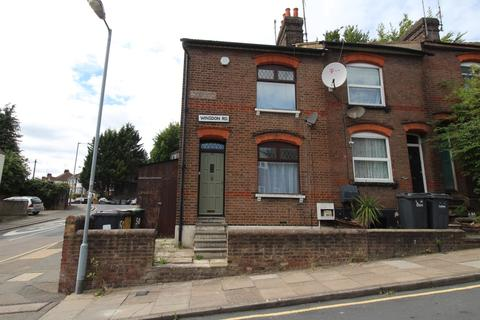3 bedroom end of terrace house to rent - Winsdon Road, Farley Hill, Luton, LU15JT