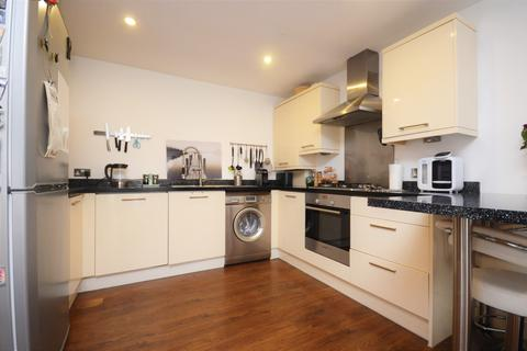 2 bedroom flat to rent - Glenville Grove London SE8