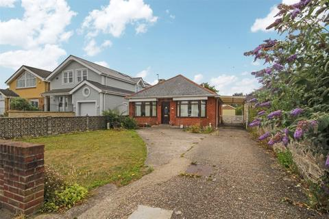 3 bedroom detached bungalow for sale - Lulworth Avenue, Hamowrthy