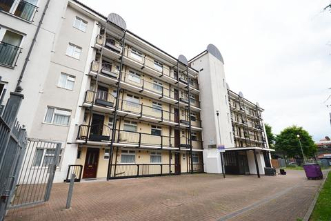 2 bedroom flat for sale - Brinsley House, Tarling Street, London, e1