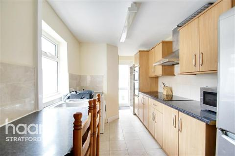 3 bedroom terraced house to rent - White Road, Stratford, E15