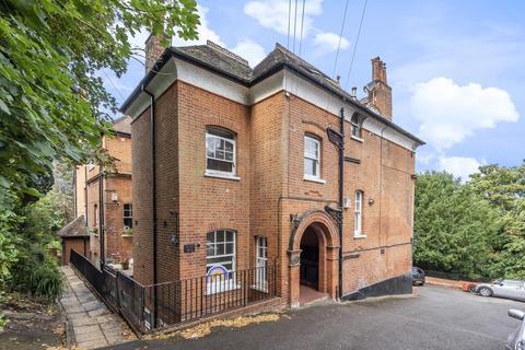 2 bedroom flat - Susan Wood, Chislehurst