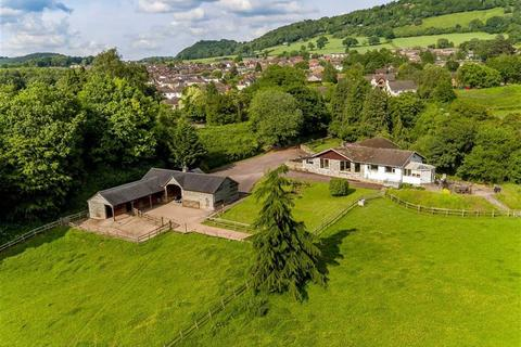 4 bedroom equestrian facility for sale - Redbrook Road, Monmouth