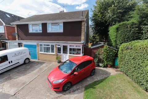 3 bedroom semi-detached house for sale - Hawkhurst - Quiet Cul-de-Sac Location