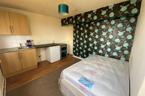 1 bedroom flat to rent - Tulketh Crescent,  Ashton-on-Ribble, PR2