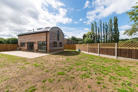 2 bedroom barn conversion for sale - Frittenden, Kent