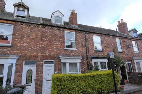 3 bedroom terraced house - Turner Street, Lincoln