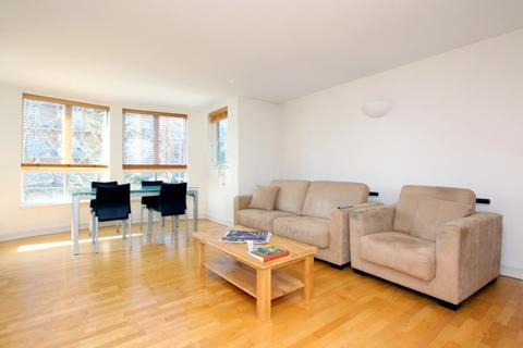1 bedroom flat to rent - Willow Court, Admiral Walk, London